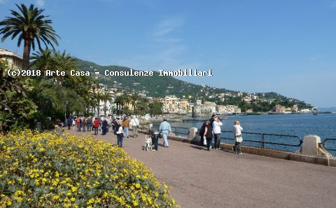 Rapallo, 3 LOCALI CON TERRAZZI - Rif. R21